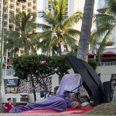 This Paradise Is Awash in Homelessness