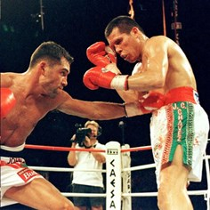 When Mexico's National Boxing Hero Lost His Crown