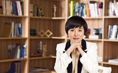 The Leading Lady Behind China's Airbnb