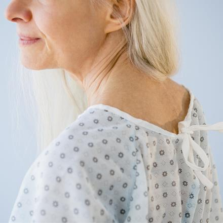hospital gown (171950796)